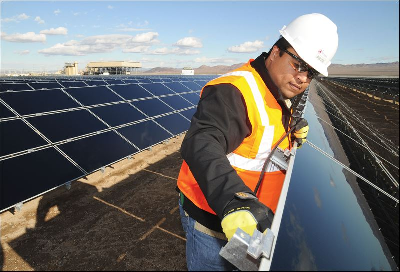 There Are More Jobs in Renewable Energy Than In Oil, Gas, and Coal ...